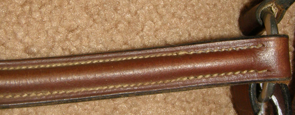 Plain Round Raised Breastplate English Breastplate Chocolate Brown Cob