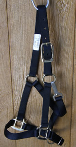Adjustable Nylon Halter with Throat Snap Yearling Halter Black