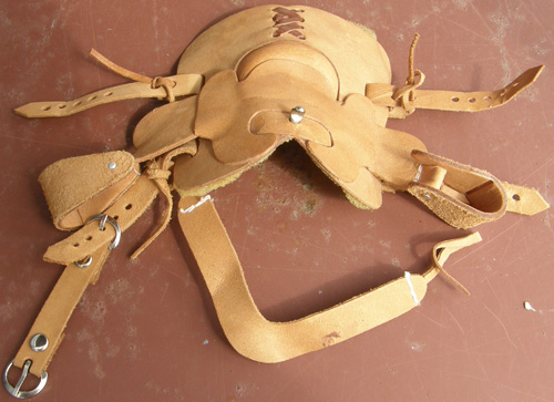 #2355 All Around Western Saddle & Breastcollar Set Model Horse Tack Props Model Horse Breyer Vintage Traditional Western Saddle Girth Breast Collar Set
