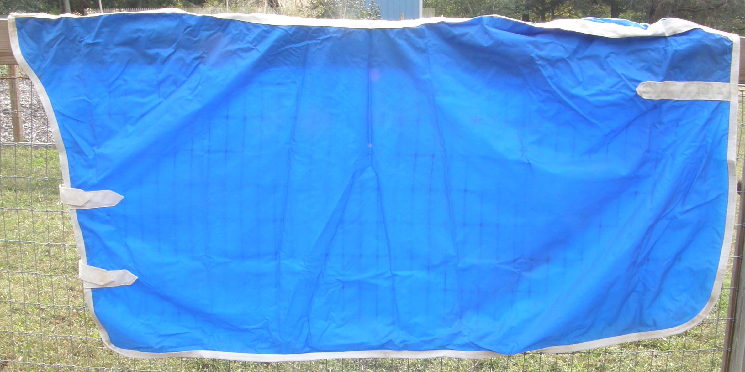Fitted Cooler Style Nylon Rain Sheet Fitted Nylon Rain Slicker L Horse Blue/White