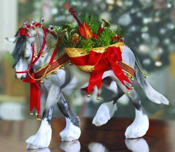 Breyer #700107 Wintersong Christmas Horse Holiday Horse 2007 Shaded Grey Othello