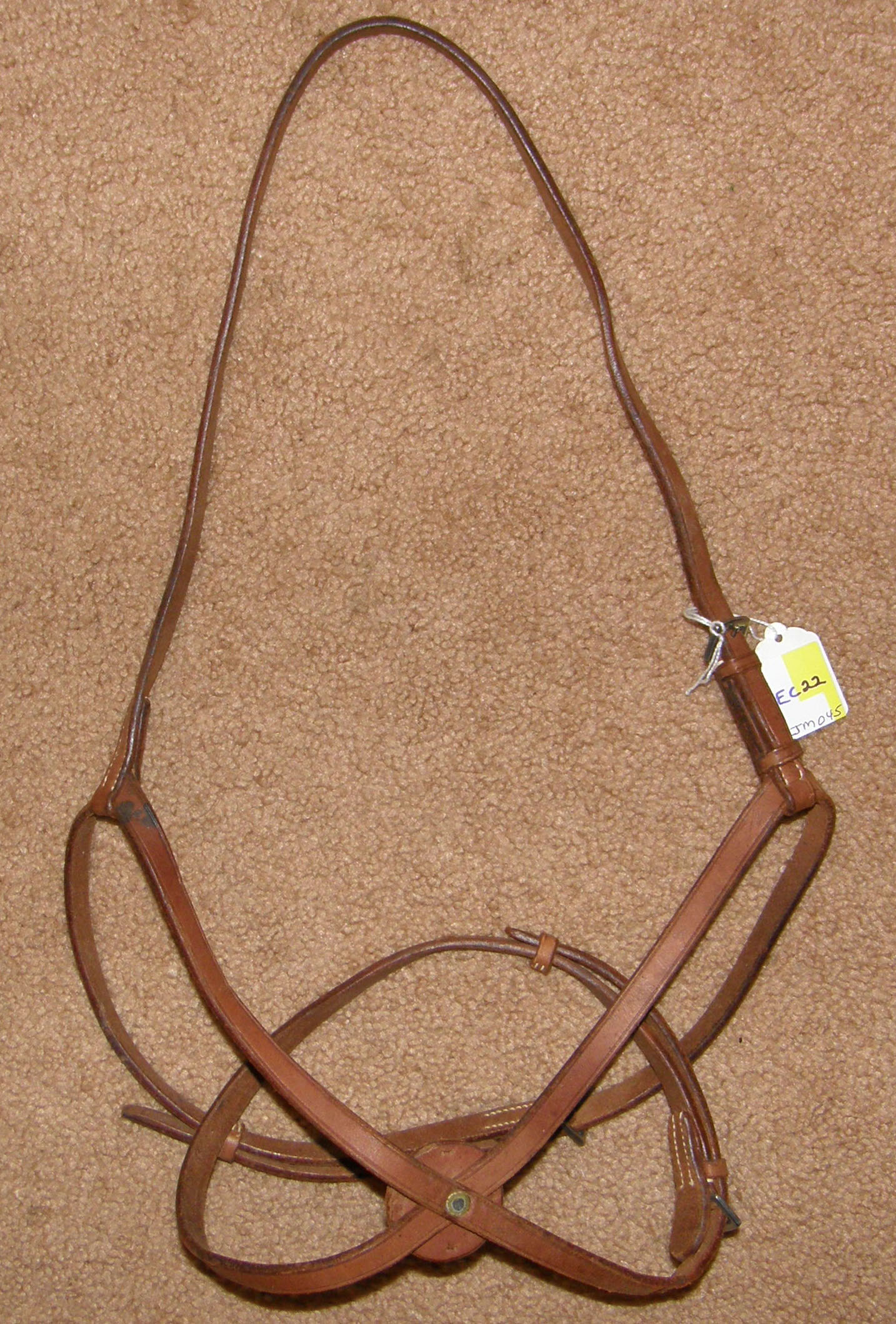 Figure 8 Noseband Figure Eight English Caveson Brown Horse
