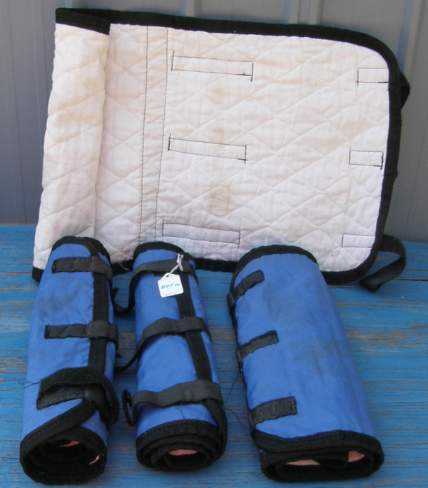 Quilted Ice Wraps No Bow Wraps Leg Quilts Quilted Lined Nylon Shipping Boots Ice Leg Wraps Cushioned Leg Wraps Horse Blue/Black