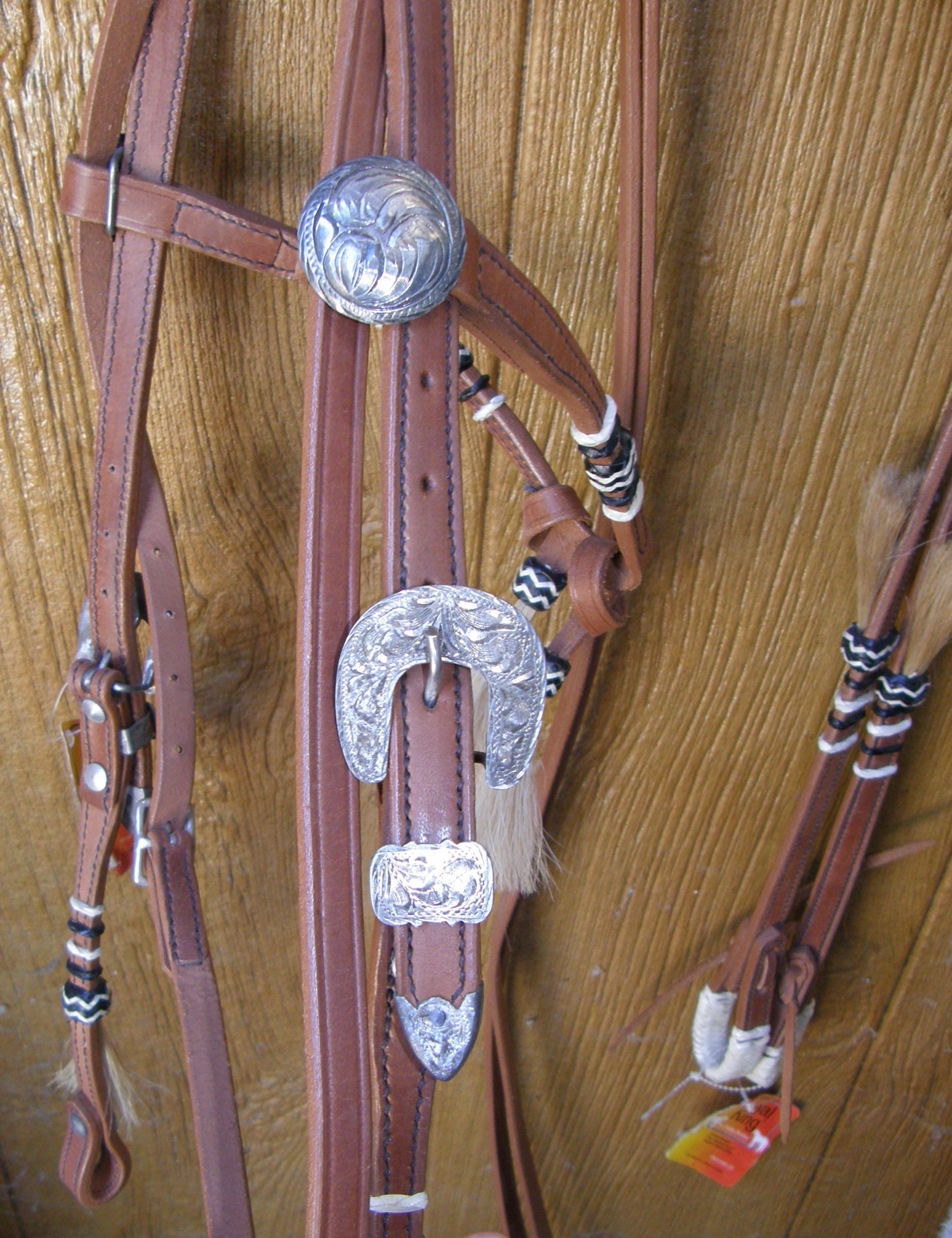 Royal King Braided Rawhide Futurity Western Bridle Knotted Brow Western Headstall Split Reins Chestnut Leather Horsehair Tassels California Braid Horse